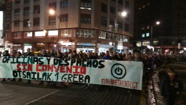 Manifestaci n ayer en bilbao en defensa del convenio de for Laboral kutxa oficinas bilbao
