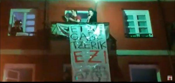 Manifestación contra desahucio  en viviendas Municipales de Bilbao