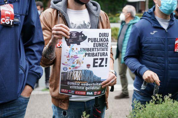 Sindicatos y alumnos de la UPV/EHU de oponen a la universidad privada Euneiz
