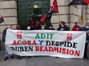 Concentración de CGT-LKN Bizkaia por la readmisión de Rafael y Rubén de ADIF (Vídeo)